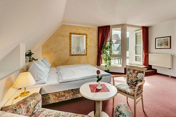 Hotelzimmer doppelzimmer einzelzimmer warnem nde hotel for Komfortzimmer doppelzimmer unterschied